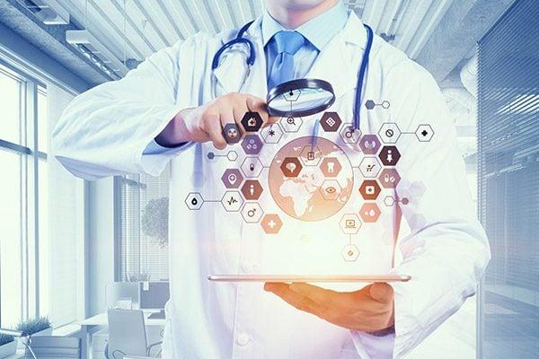 data protection officer al lavoro negli studi medici per la tutela dei dati sanitari
